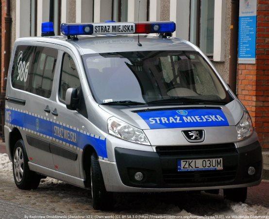 SM Zgierz: Palił w ognisku odpady pobudowlane i komunalne